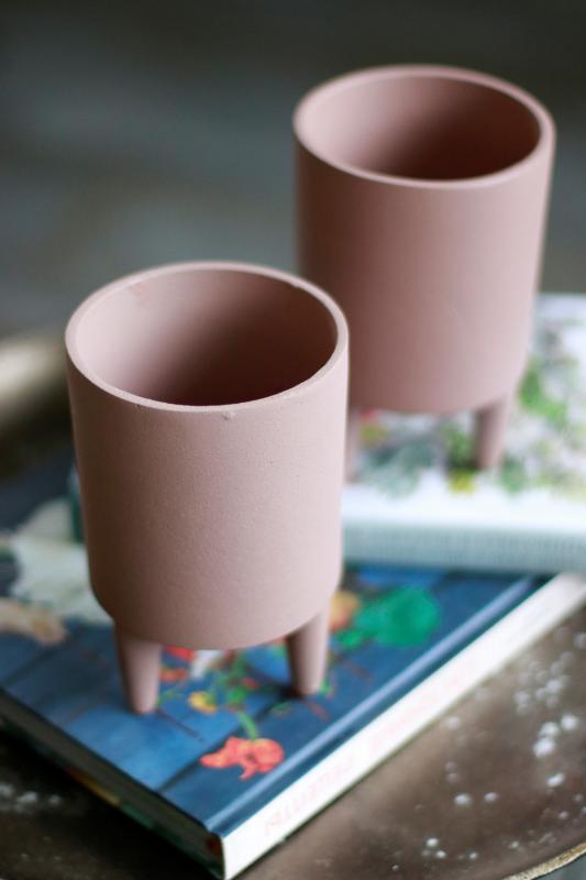 Кашпо для растений на ножках Mica pink