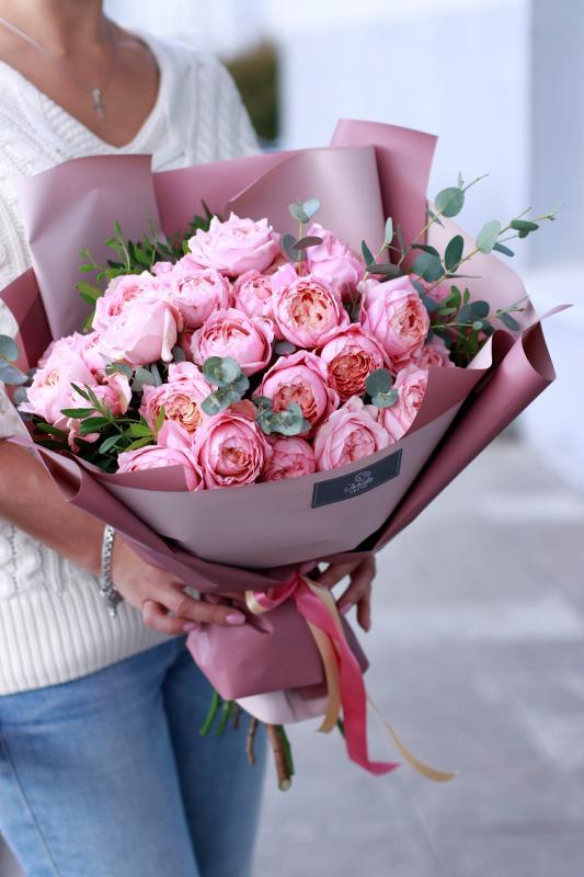 Монобукет из пионовидных роз сорта Джульетта А0038