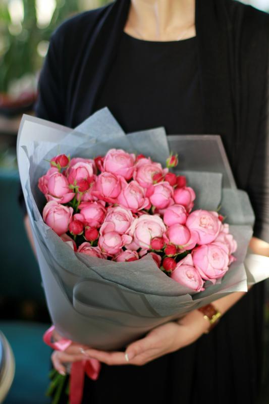 Букет из пионовидных роз сорта Сильвия Пинк