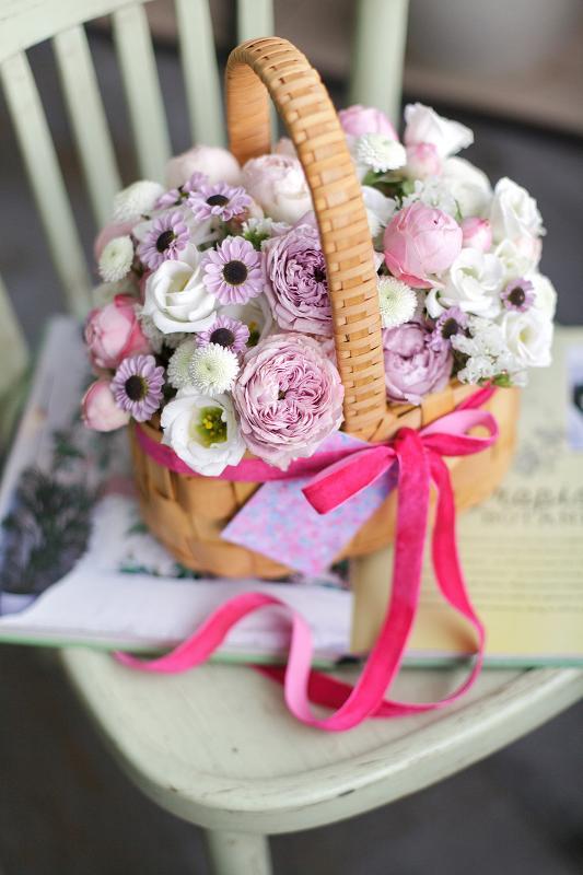 Корзина с цветами С0149