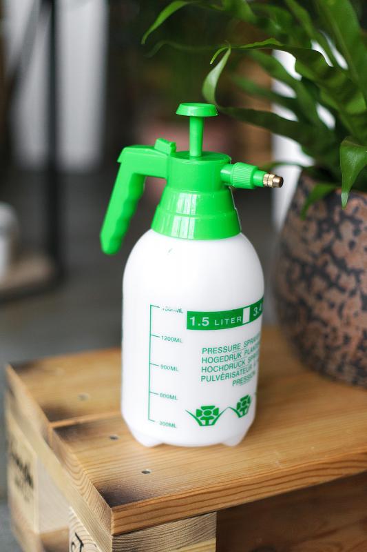 Опрыскиватель для растений 1.5 литра