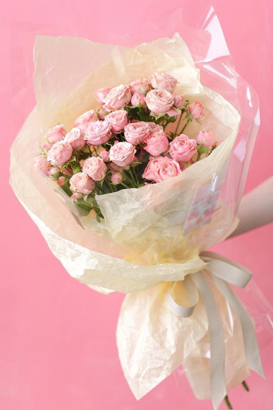 Букет из кустовых роз А0053