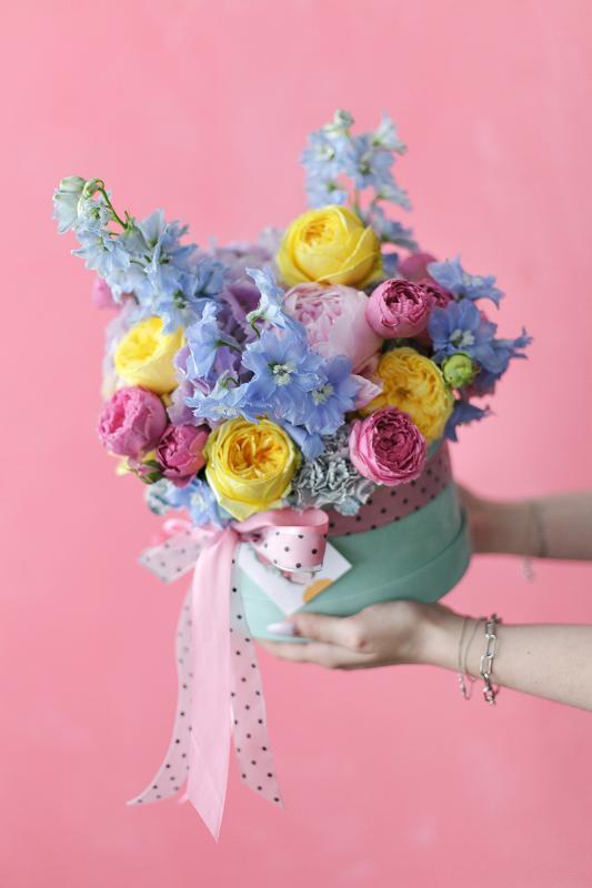Цветы в шляпной коробке С0089