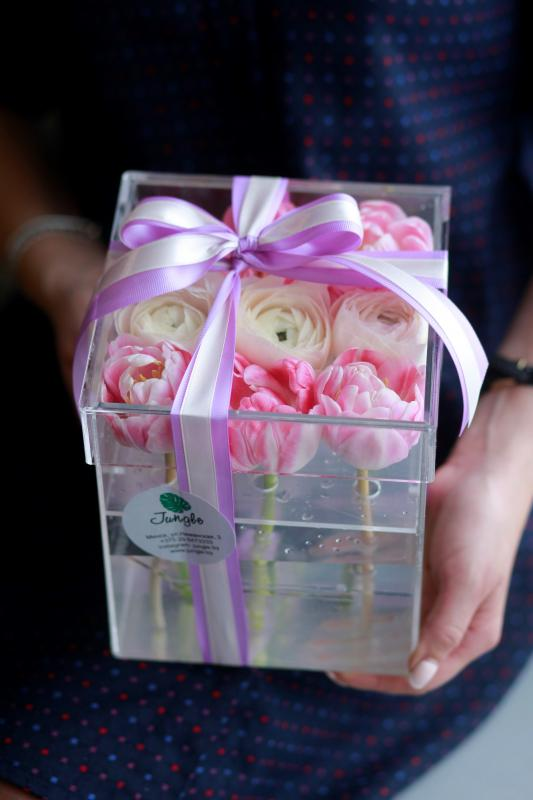 Коробка с цветами C0017