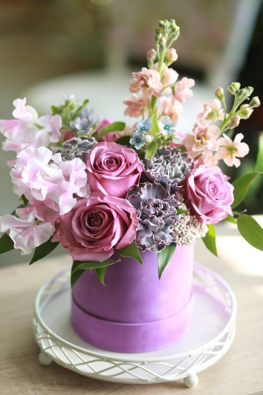Шляпная коробка с цветами C0039