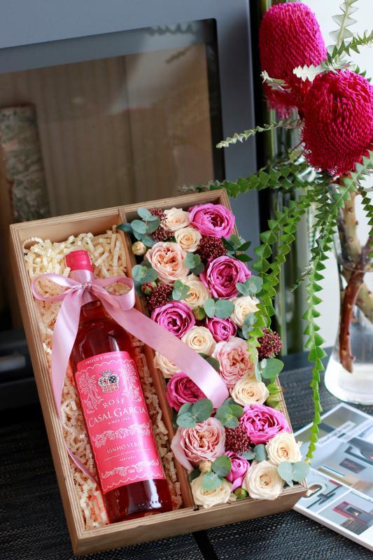 Подарочная коробка с цветами С0070
