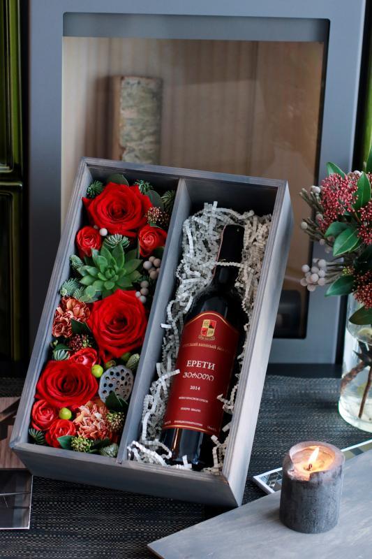 Подарочная коробка с цветами С0072